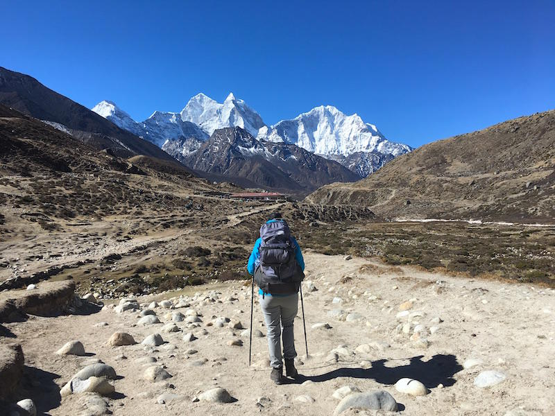 hiking to everest base camp adventuroustrails