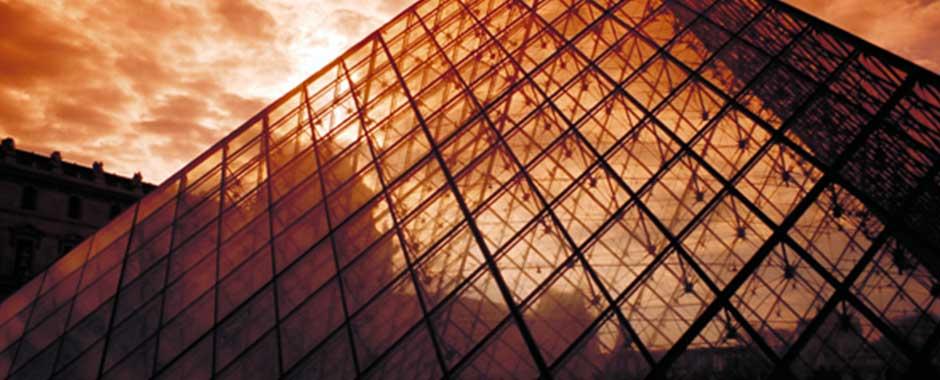 paris-louvre_pyramid.jpg