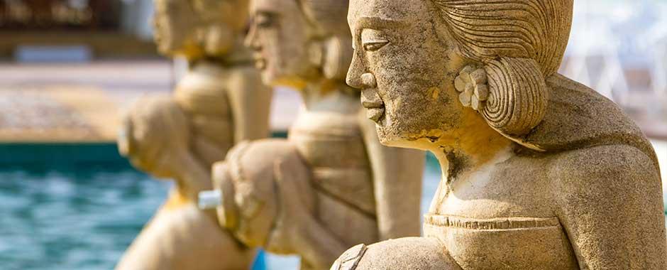 phuket-foutain_statues.jpg